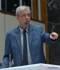 Betão (PT) reforça a discussão sobre a previdência social, a reestatização da Vale e a importância da democracia no contexto atual do país.