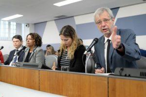 Betão participa de audiência pública para discutir o fechamento de unidades da Cemig no interior de Minas Gerais
