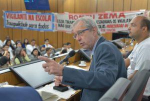Betão defende vigilantes em audiência; já governo anuncia substituição de vigilantes por câmeras