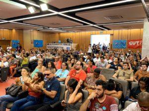 Educadores de pelo menos 15 cidades mineiras protestam contra fechamento de turmas e escolas em Minas Gerais