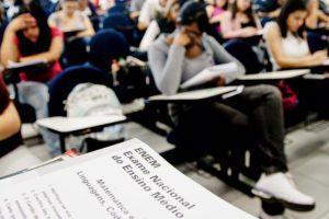 Alunos em Minas Gerais podem ser prejudicados caso o pedido de isenção e cronograma do Enem não sejam adiados