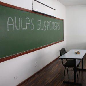 Mandato do Betão é acionado contra a reabertura das escolas e pelo ensino remoto em Minas